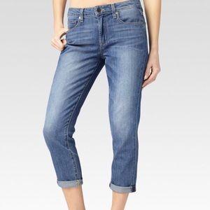 💙Paige Jeans lightwash Callie Crop